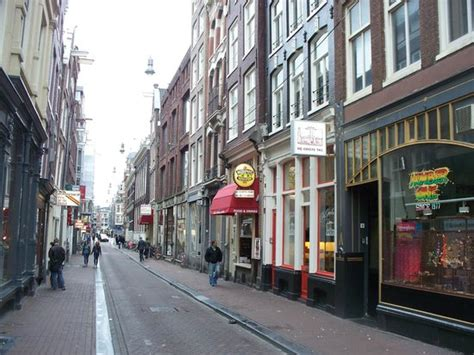 red light district milan italy tipiche vie picture of red light district amsterdam