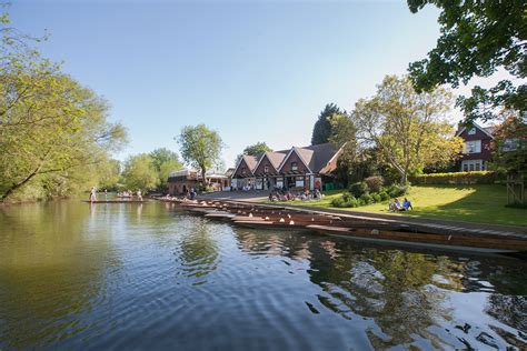 punt boat in spanish punting at cherwell boathouse cond 233 nast johansens