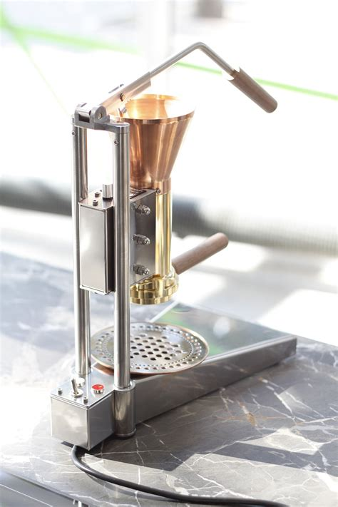 Handmade Coffee Machine - strietman ct1 coffee in a place