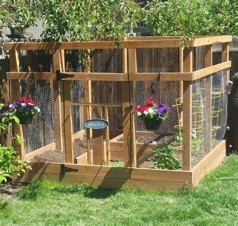 garden enclosure  custom gate ana white