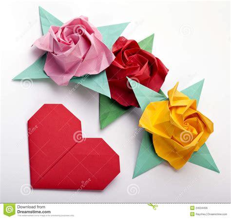 imagenes de flores origami origami rosas coloreadas multi imagen de archivo libre de