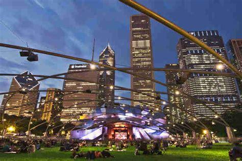 chicago facts secrets about millennium park the bean buckingham fountain thrillist