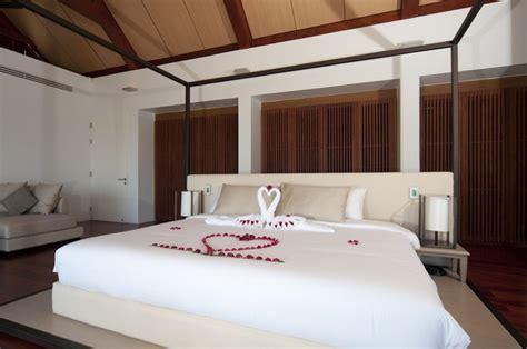 phuket 3 bedroom villa laemsingh villa 3 surin phuket thailand