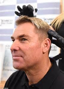 does shane warne wear a hair shane warne pictured receiving stem cell therapy to combat