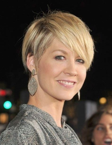 short pixie haircuts for women covering ears short haircuts for women that cover ears