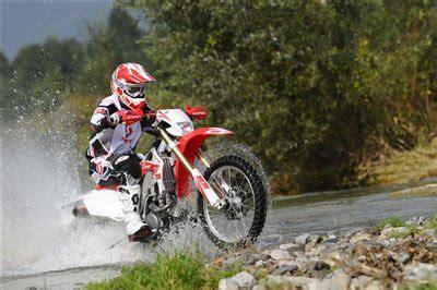 Motorrad 50ccm Führerschein Schweiz by Neu Hm Honda Enduro Und Supermoto Mit Stra 223 Enzulassung
