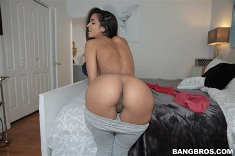 gorgeous latina maid abby lee brazil gets tight snatch