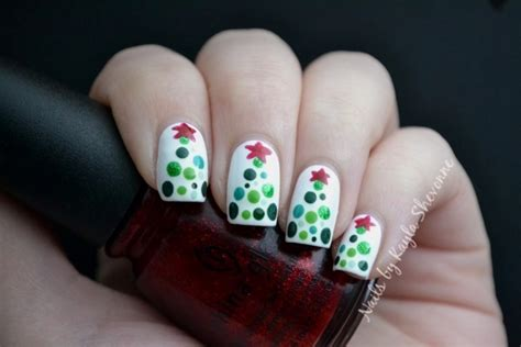 nails by kayla shevonne christmas nail art dotted