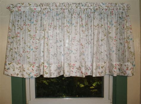 Vintage Kitchen Curtains Inspirational Vintage Kitchen Curtains Casual Decobizz