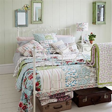 Bedroom Decorating Ideas Shabby Chic Uk 1000 Ideas About Shabby Chic Bedrooms On