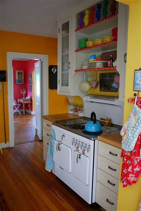 bright kitchen color ideas best 25 bright kitchen colors ideas on