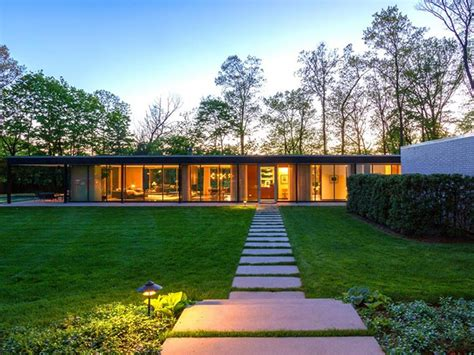 what is a mid century modern home mid century modern homes for sale
