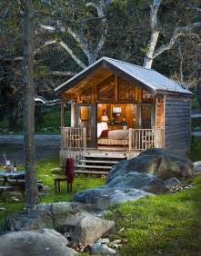 25 best ideas about guest cabin on small