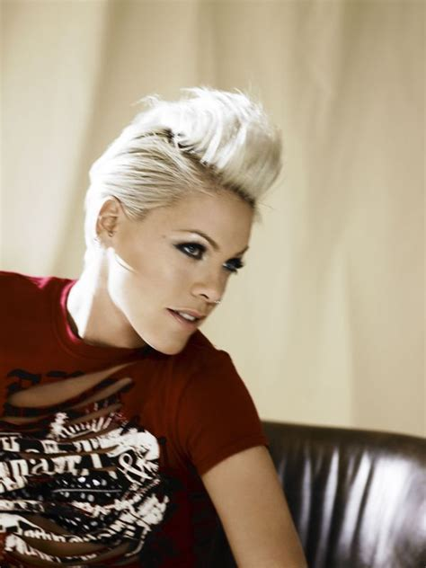singer pink hairstyles photo gallery best 25 pink singer hair ideas on pinterest singer pink