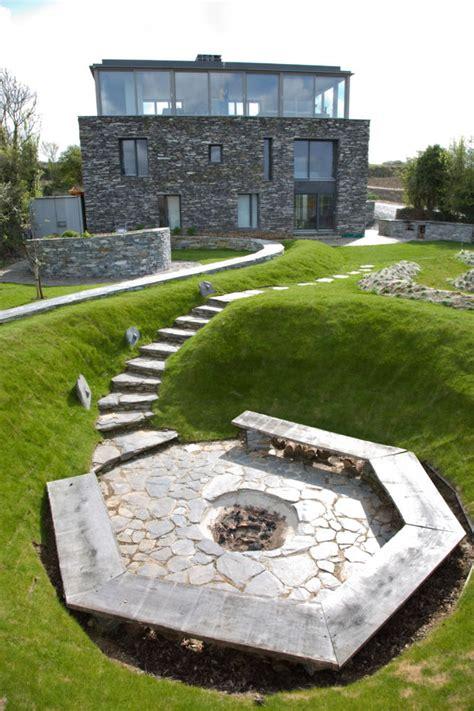 moderne feuerstelle im garten roomido - Feuerstelle Garten Modern