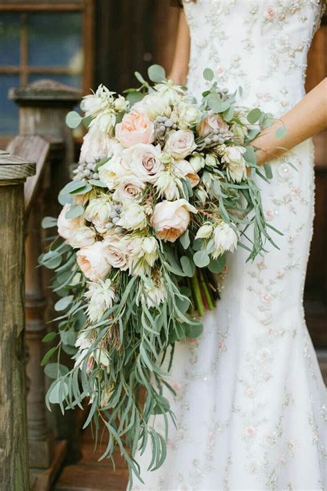 lush cascading bouquet pastel garden roses pastel lavender roses blushing