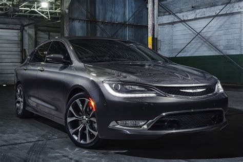 standard chrysler 200 2015 chrysler 200 sheds its frumpy past v6 comes with awd