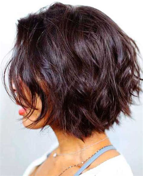 short layered hair styles with soft waves best 25 short layered hairstyles ideas on pinterest