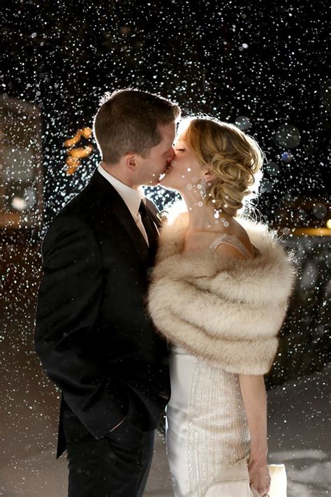 romantic new years eve ideas for couples 2015 couples who turned bad weather into awesome wedding photos