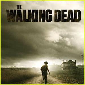 walking dead resumes filming following stuntman s report