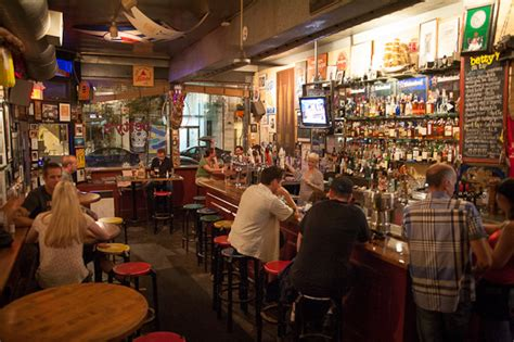 the top 35 pubs in toronto by neighbourhood