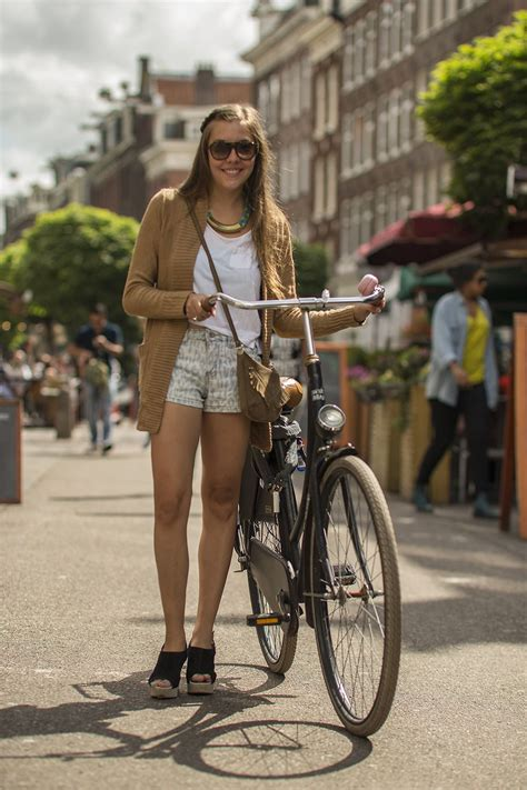 Cycling Chic Style by Amsterdam Style Styleamsterdam