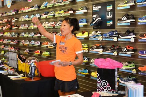 Roadrunner Sports Gift Card - road runner sports giveaway to honor running friends
