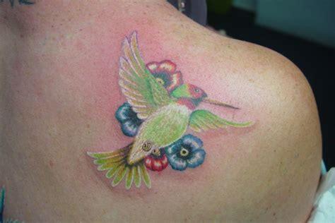 tattoo 3d kolibri tattoo kolibri symbole und bedeutungen tattoos zenideen