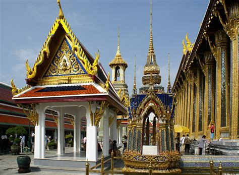thai palace bangkok thailand royal grand palace rattanakosin travel