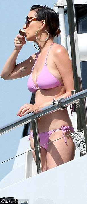 piper perri boat katy perry shows off figure in pink bikini in sydney