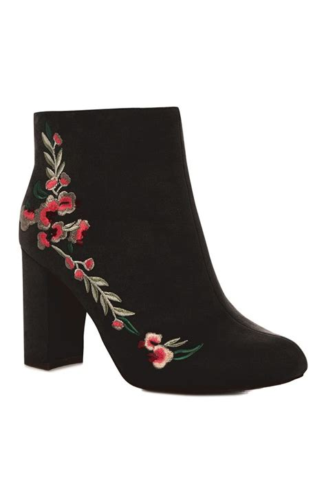 Fashion Bowknot Embellished Boots Black floral embroidered black boot fashion inspiration