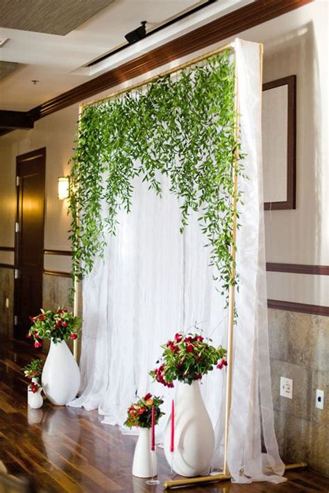Wedding Backdrop Design Sle by 25 Best Ideas About Pipe And Drape On Sequin
