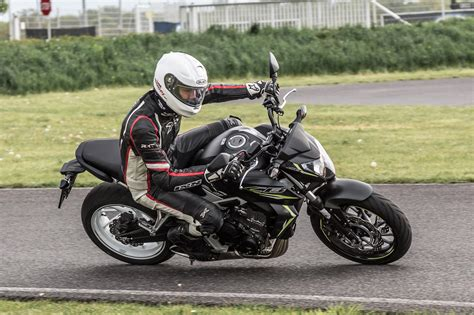 Motorrad Vergleich Für Einsteiger Forum by Einsteiger Nakedbikes 2016 Yamaha Mt 07 Honda Cb650f