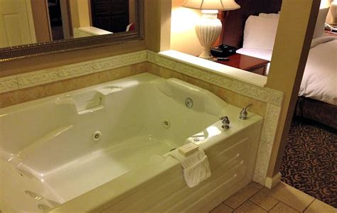bathtubs orlando florida jacuzzi 174 suites excellent romantic vacations