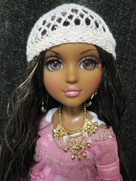hoko doll never grow up a s guide to dolls and more moxie