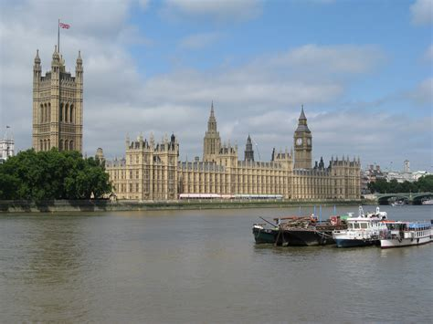 great london buildings the palace of westminster the file palace of westminster london jpg wikimedia commons