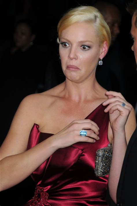 heigl takes a break to take some puffs from her electronic cigarette zimbio celebrity unflattering pictures of pretty celebrities