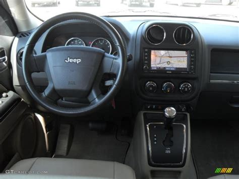 jeep patriot 2010 interior jeep patriot 2010 interior imgkid com the image