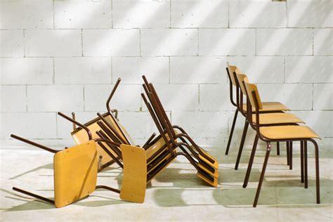 design len jaren 60 retro vintage schoolstoelen uit de jaren 60 70