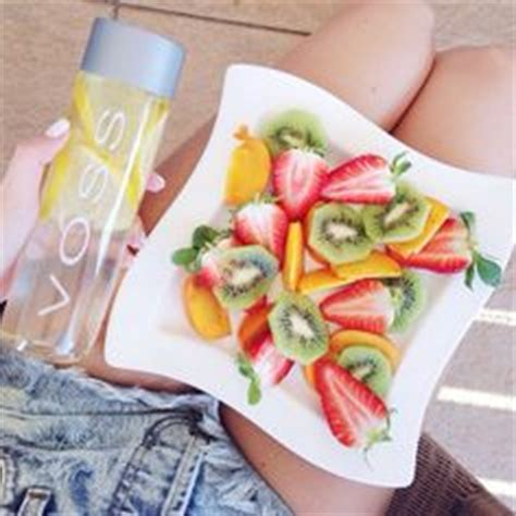 Voss Water Detox Diet by 1000 Ideas About Voss Water On Detox Fruit