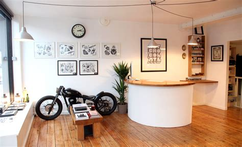 tattoo parlour hackney tattoo shop interior stationsvagabond tattoo studio