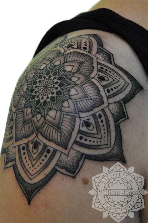 traditional mandala tattoo 25 best ideas about traditional mandala on