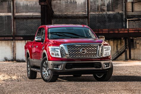 2017 nissan titan crew cab 2017 nissan titan half ton in crew cab form priced from