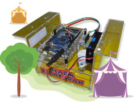 membuat robot pemadam kebakaran kelas liburan di solo belajar membuat robot