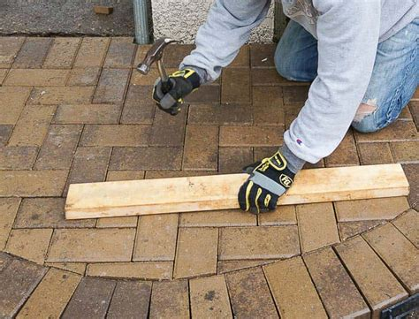 how to lay patio pavers the best 28 images of how to lay paver patio how to lay