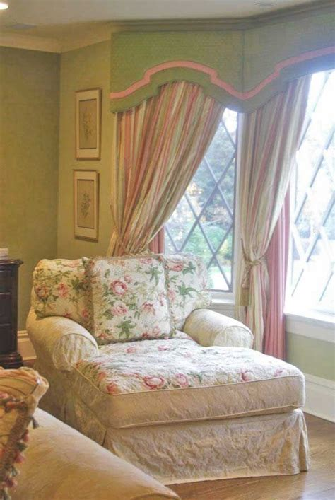 bedroom reading chair 1510 best shabby chic vintage images on pinterest