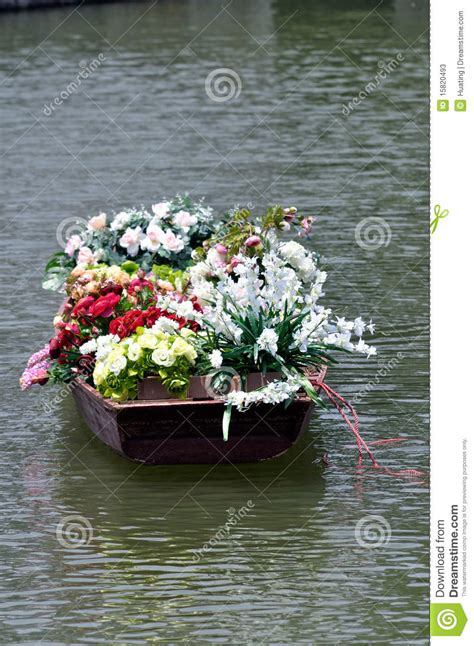 old boat flower bed flowers in old boat stock photos image 15820493
