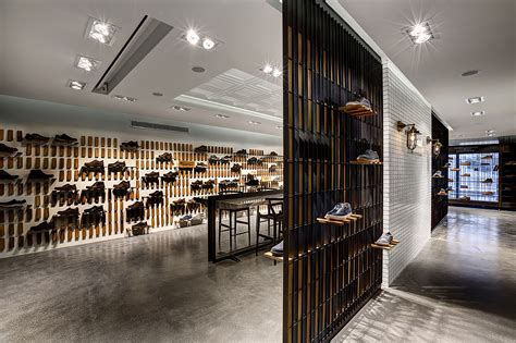 gallery  skechers tr casual showroom zemberek design