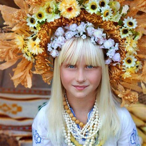 Awesome Ukraine Christmas Traditions #3: Traditional-ukrainian-flower-crowns-treti-pivni-14.jpg