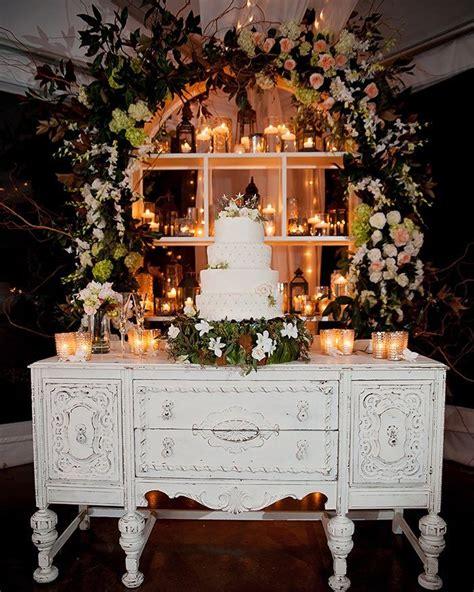 wedding cake table display best 25 wedding cake stands ideas on wedding